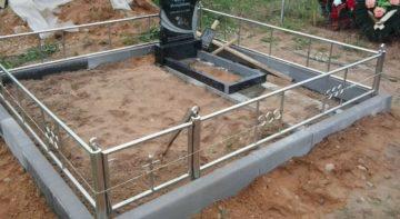 выравнивание грунта на кладбище