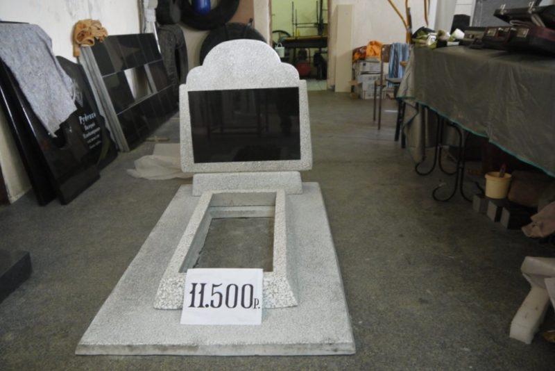 памятник из мраморной крошки - модель №2