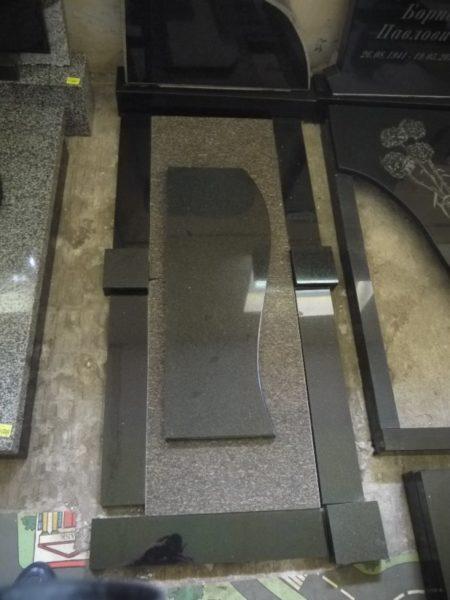 Открытое надгробие 3